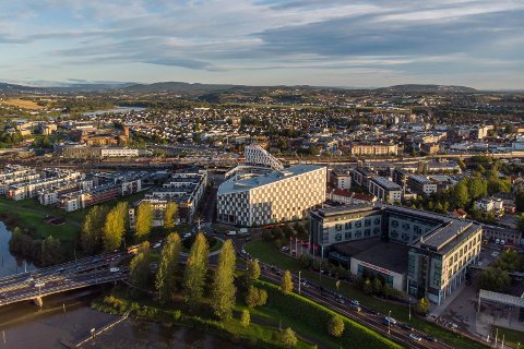 POSITIV UTVIKLING: Lillestrøm kommune har hatt et høyt smittetrykk gjennom store deler av pandemien. Nå er tallene på vei ned.