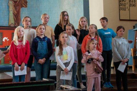 Toneklang øver i kirken