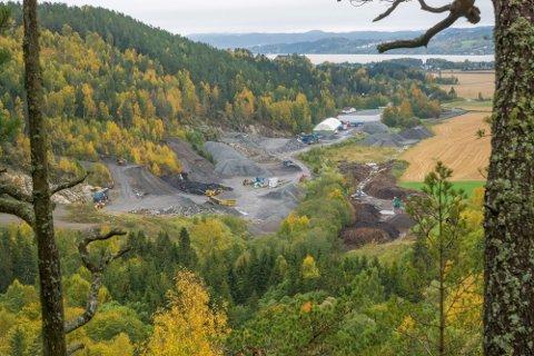 UTSETTES: Jølsen «Miljøpark» i Steindalen på grensen mellom gamle Skedsmo og Fet blir utsatt som følge av at saken nå skal sendes ut på ny høring.