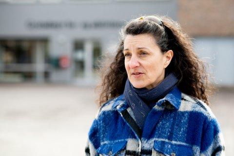 Kommuneoverlege Laurence Jary-Vattøy i Ullensaker har krevende dager på jobb i forbindelse med et større smitteutbrudd på Gystadmyr bo- og aktivitetssenter.