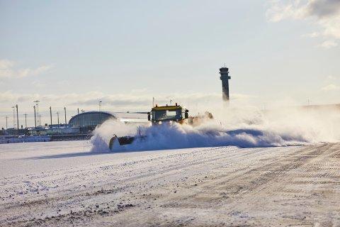 STOR INVESTERING: Ifølge Avinor blir Oslo Lufthavn blant de første i verden som tar i bruk førerløse brøytebiler. De skal være på plass på flyplassen allerede kommende vinter.