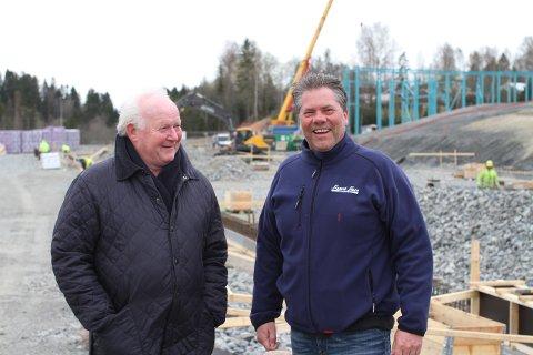 GLEDER SEG: Sigurd Stave (t.v.) og administrerende direktør Geir Mellum gleder seg til å flytte til Romerike. (FOTO: BULK INDUSTRIAL ESTATE AS)