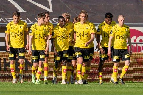Sterke tall: Mot Odd jublet Thomas Lehne Olsen og de andre LSK-spillerne for sesongens første seier. Men LSK-spillerne løp mindre i den kampen enn i de to første da svake prestasjoner ga tap.