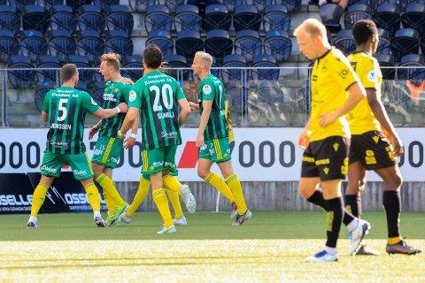 Klar tale: Først lot Mikkel Rakneberg venstreslegga tale. Deretter sa unggutten i få, men klar ord, hva han mener om hvordan Sindre Tjelmeland forlot klubben.