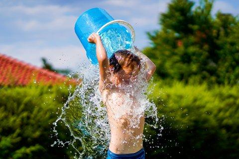 SOMMER: Til uka blir det varmt og da kan det være lurt å kjøle seg ned.
