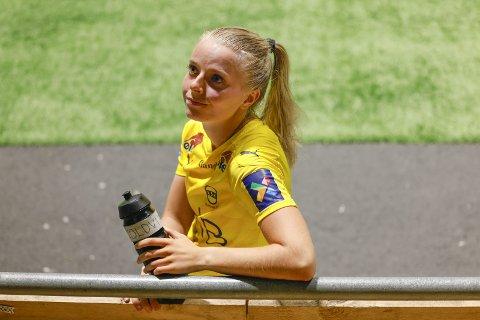 Trodde ikke det hun så: Emilie Woldvik var på gråten etter at klareringen hennes kostet LSK Kvinner-seieren i lokaloppgjøret. 22-åringen kunne ikke trøste seg med at det hele var maksimalt uflaks. Alle foto: Jill Yngland, NTB