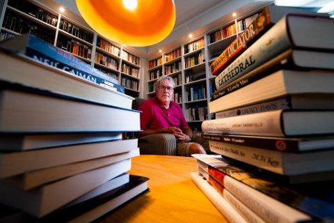 VIL BLI FULLVAKSINERT: Morten Fuglevand er lærer i engelsk, samfunnsfag og KRLE ved Tæruddalen skole i Lillestrøm: – Det er umulig å holde avstand. Om vi blir fullvaksinerte kan vi drive en normal skole til høsten, sier han.