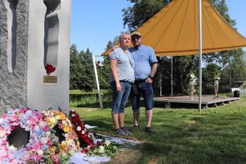 PREGET: Roy og Monica Lund Schjetne syns oppmøte på Eidsvollsbygningen var en god markering. I forkant hadde de brukt mye tid på tale og hva de ville si.