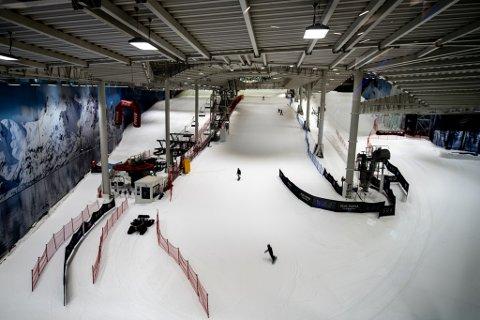 GLISSENT: Covid-restriksjonene gjorde at det innendørs skianlegget Snø i Lørenskog hadde få besøkende i 2020. Det merkes på regnskapstallene.