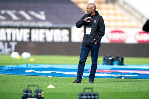 SIKTER INN: Sportssjef Simon Mesfin  i LSK sier at det jobbes med nye spillere inn i overgangsvindet som åpner 1. august.