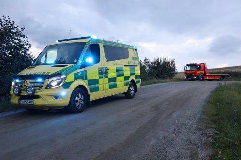ULYKKE: Både ambulanse og bilberger var på stedet torsdag kveld.
