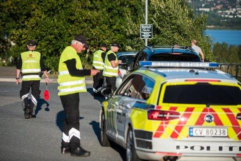 KONTROLLER: Denne uka gjennomfører både politiet og Statens vegvesen kontroller langs skoleveiene i forbindelse med «aksjon skolevei».