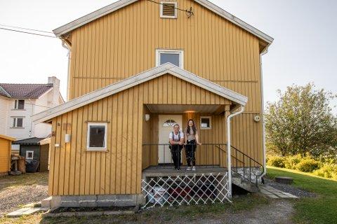 Huset i Sagdalen var perfekt for samboerparet Hege Kandal og Marius Kløften. De tok fatt på oppussingen rett etter overtakelse i fjor sommer.