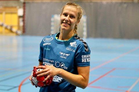 KLAR FOR KAMP: Danske Rikke Thorngaard gleder seg til årets sesong med Romerike Ravens, men innrømmer at hun gruer seg til flere flyreiser.