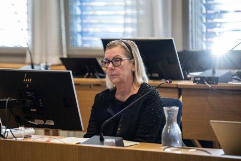 SPILTE AV OPPTAK: Også torsdag ble ordfører Hilde Thorkildsen spurt ut om korrupsjonstiltalen. Det ble også avspilt hemmelig opptak som Økokrim hadde fra private samtaler mellom henne og den andre tiltalte i saken.