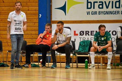 SKUFFET: Kristian Bliznac og Loke Peter Brasen (i midten) var skuffet etter at nok en jevn kamp bikket motstanders vei.