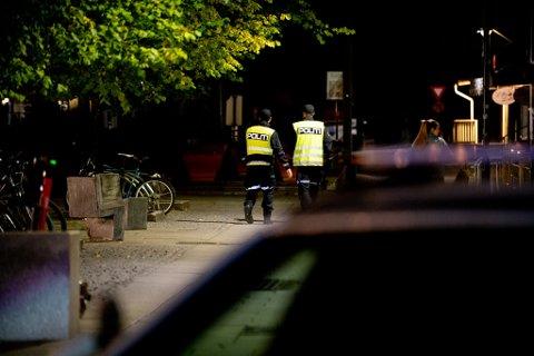 PÅPASSELIGE: Politiet var innom de ulike utestedene i Lillestrøm sentrum gjentatte ganger.