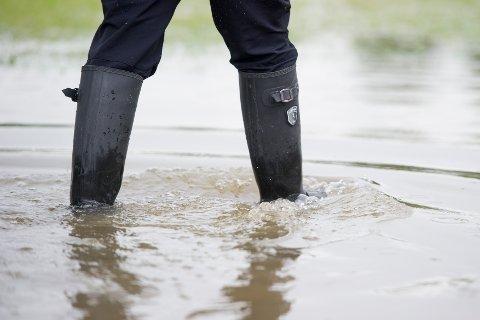 VÅTT: De nærmeste dagene blir det mye nedbør på Romerike. Både NVE og Meteorologisk institutt har sendt ut farevarsler.