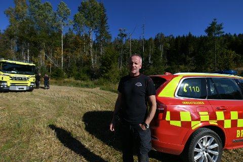 OPPGITT: Stedfortredende brigadeleder Jørn Are Flatner hosNedre Romerike brann- og redningsvesen ser seg nødt til å si ifra etter flere skogbranner på kort tid.