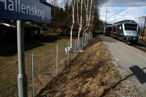 Hallenskog stasjon kan bli nedlagt allerede fra 13. desember i år.