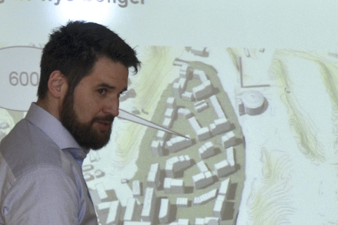 Jørgen Andersen i VIVA regner med at det blir en løsning slik at boligutbyggingen i Røyken kan foregå som planlagt.