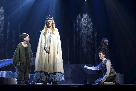 For hele familien: Røyken teatergruppe spiller musikalversjon av Narnia i Sekkefabrikken.