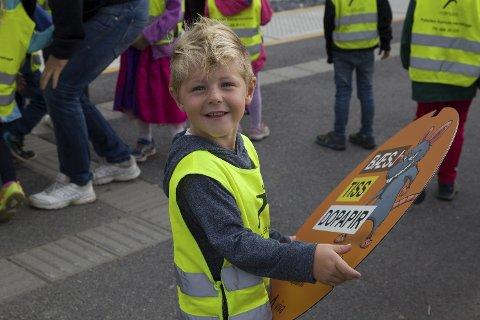 BUDBRINGERE: Kasper og de andre førskoleungene på grønn gruppe i Paletten Kanvas barnehage bar fram budskapet i do-kampanjen til VIVA i høst.