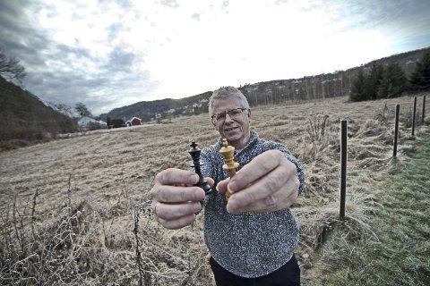 KLART: Asle lien gikk sist uke ut i RHA for å høre om noen vil starte sjakklubb sammen med ham - responsen uteble ikke.          Foto: Henning Jønholdt