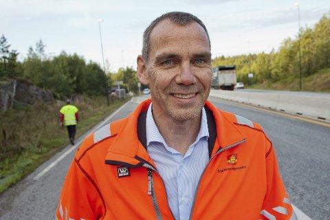 UTSATT: Nils Audun Karbø sier at de måtte utsette åpningen mandag for å få på plass nødvendig skilting langs Europaveiene i Østfold og Vestfold.
