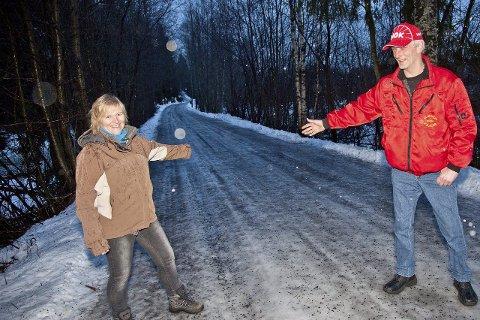 KLARE: Ann-Maj Wallmann og Jan Sverre Solheim i NMK Hurum og Røyken, håper på positivt svar fra kommunen og Statens vegvesen.Arkivfoto: Henning A. Jønholdt