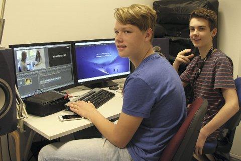 I studio: Kristoffer Vollan og Truls Frydenlund startet opp LunarFilmStudios sammen i januar, etter lenge å ha drevet med film. – Vi ønsker å få med oss filminteressert ungdom, sier de.