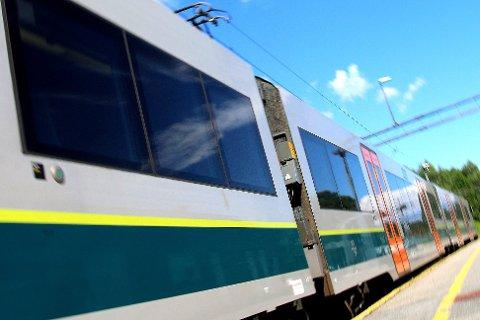 IKKE TILFREDS: De reisende på Spikkestadbanen er mindre tilfreds med tilbudet, viser undersøkelse.