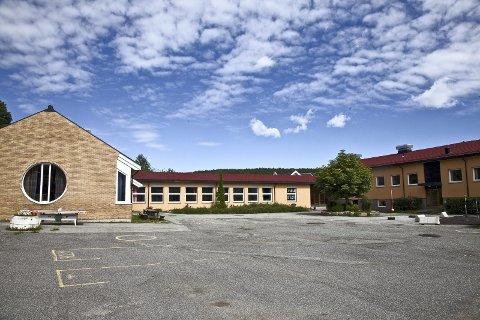 LEGGE NED: Administrasjonen i Asker foreslår å flytte elevene ved Folkestad skole til Sætre og Tofte, for så å legge ned skolen på sikt.
