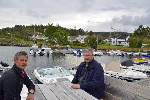 NEI: Bernt Espen Kolsrud og Lasse Thue (t.h.) i bygningsrådet/planutvalget i Røyken sa nei til administrasjonens forslag om midlertidig byggeforbud i Båtstø.Foto: Edgar Dehli