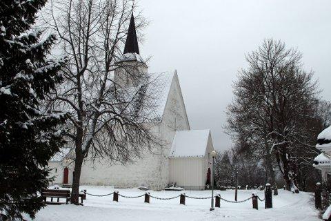 VELDEDIG KONSERT: Brynjar W. Kolbergsrud og Ragnhild Briseid kommer begge fra Røyken, og lille julaften byr de på veldedig konsert i Røyken kirke.