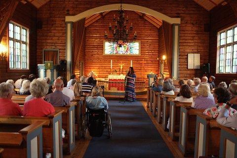 MUSIKKALSK SØNDAG: Det blir en gudstjeneste litt utenom det vanlige i Åros kirke søndag.
