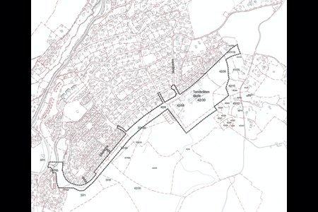 OMRÅDE: Område det er varslet oppstart av detaljregulering for er den stiplede linjen som inneholder skole og gang- og sykkelvei fra Aukeveien/Børønningen til Torvbråten.