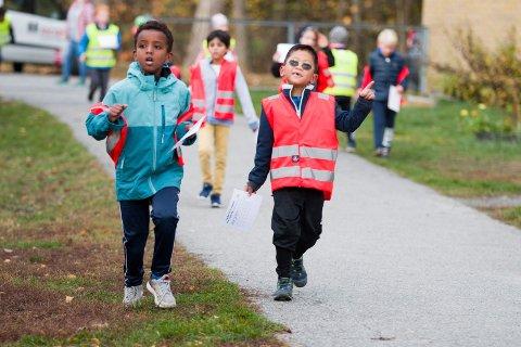 NY REKORD: I fjor samlet Sætre skole inn 60 000 kroner på Skoleløpet i anledning TV-aksjonen. I år har de løpt inn over 111 000 kroner.
