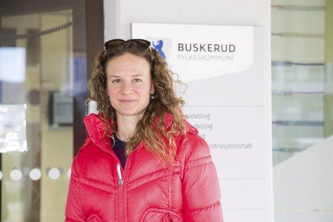 ALLE GODE TING ER TRE: Hanne Lisa Matt fra  MDG fikk trumfet gjennom i Fylkestinget at ny idrettshall i Røyken skal bygges i massivtre.