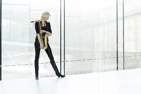 KRAFTFULL: Christina Dahl kommer med sin kvartett til Slemmestad lørdag.