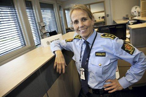 ADVARER: Sigrid Andreassen ber folk nok en gang være varsomme med hvem de åpner opp dørene for. Arkivfoto: Henning Jønholdt
