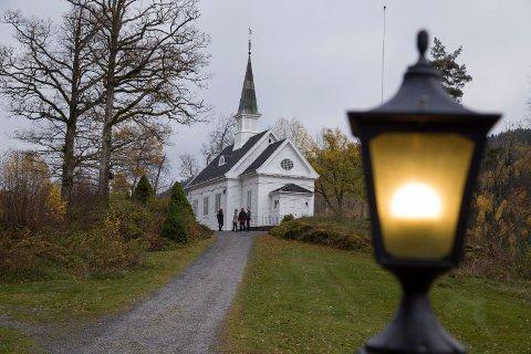 SALMEKVELD: Alle Helgens dag markeres i Kongsdelene kirke med rikholdige sangskatter fra den nye salmeboka.