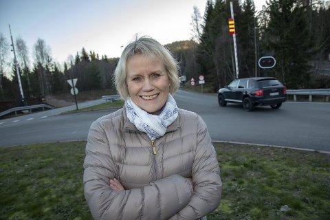 FLYTTE: Gunn-Torill Homme Mathisen (V) mener det kan være lurt å flytte bensinstasjonen i Sætre opp til E134. Arkivfoto: Henning Jønholdt