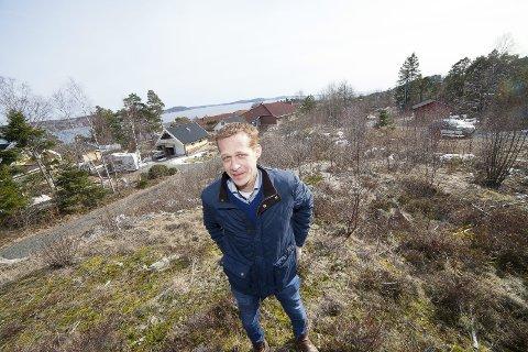 AVTALE: Teknisk sjef i Hurum Eiendomsselskap, Steinar Østli Andreassen, er glad for at det endelig blir nye parkeringsplasser i Filtvet. Før sommeren skal 45–50 plasser stå tilgjengelig for gjester til Villa Malla, Filtvet fyr og området rundt.