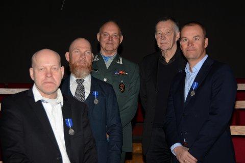 På bildet, bak fra venstre: Tron Ove Røed, Sætre. Martin Bertelsen, Åros. Jarle Ruud, Åros. Ronny Bratten, Sætre og Hans Petter Håkonsen fra Filtvet.