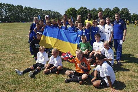 SAMHOLD: Gothia Cup samlet 1 731 lag i år, og gjør det til verdens største fotballcup for yngre spillere.