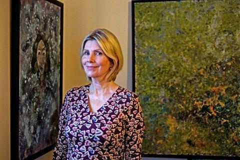 """FULLTIDSMALER: Karin Elisabeth """"Kalisa""""  Nordquist stiller ut akrylmalerier på Café Plenum, i de samme lokalene som hun selv drev Kalisa Kakeri."""