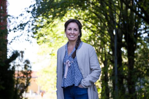SAMTALEPARTNER: An Jeanett Heitmann fra Nærsnes tilbyr foreldre til ungdom kurs og foredrag om det dagens undom ofte sliter med. - Min erfaring er at det er mindre fokus på foreldre til ungdom enn foreldre til barn. Derfor startet jeg Samtaleverket, sier hun.t