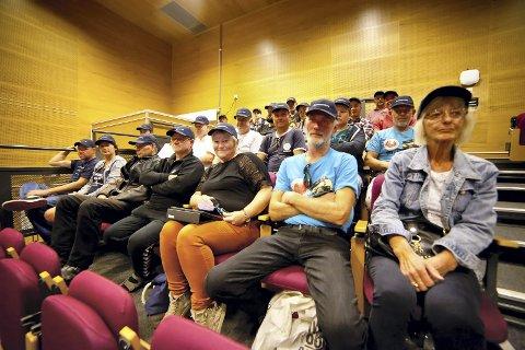 Stilte opp: Godt over 30 personer knyttet opp mot NMK Hurum og Røyken stilte opp i kommunestyret for å få med seg debatten.Foto: Henning Jønholdt