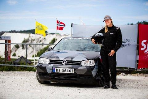 KLAR FOR RUTA: Liz Wessel er fornøyd med å delta i sjette gir, men sesongstart og Rallycross NM når sommeren kommer er viktigst for den rutinerte sjåføren.